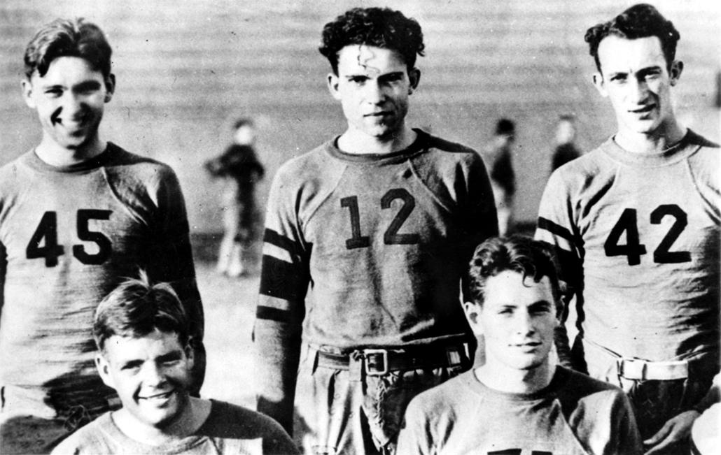 1930. körül: dátumozatlan kép Nixonról- focicsapatban - Nixonnagyitas