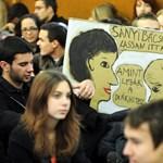 Öt-hatszáz gimnazista tiltakozik Veszprémben a kormány felsőoktatási tervei ellen