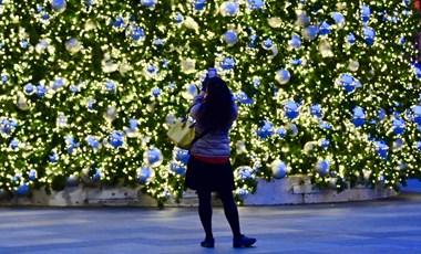 Máshol is égnek a karácsonyi fények, melyik várost irigyli?