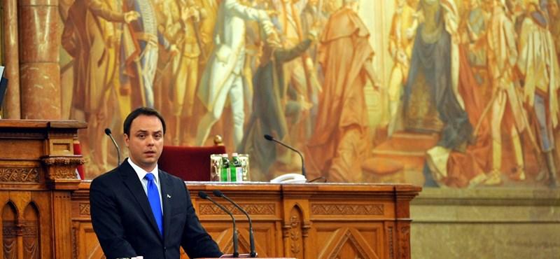 Nyitrai bukása: Lázár tisztogatásba kezdett Orbán környezetében