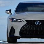 Inkognitóban: 479 lóerős szívó V8-as új Lexus érkezett