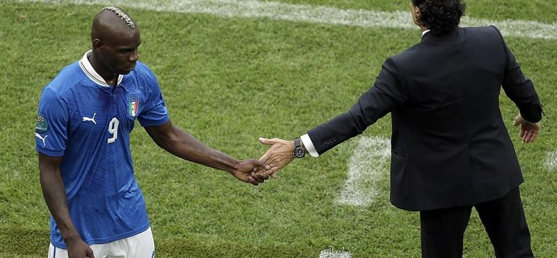 """""""Gusztustalan"""": nem úszta meg Balotelli a rasszista huhogást"""