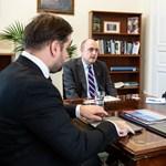 Magyarországon járt a Szabad Európa Rádió elnöke, találkozott a kormány tagjaival is