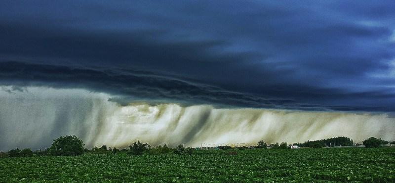 Az egész országra kiadták a figyelmeztetést a viharok miatt
