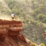 Repül a mountain bike, ki tudja, hol áll meg (videó)