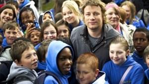 Kiadták a milliomos sztárséf útját: nincs forgatás a Los Angeles-i iskolákban