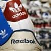 Az Adidas nagyjából feleannyiért adhatja el a Reebokot, mint amennyiért vette