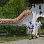 Megnéztük a birtokot, ahol Károly herceg fiúbulikat tart