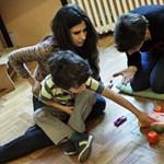 Már az iskolában leigazolták az autizmushoz értő diplomásokat