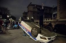 Feje tetejére állított rendőrautó, könnygáz és lángok - nem nyugszanak a sárgamellényesek