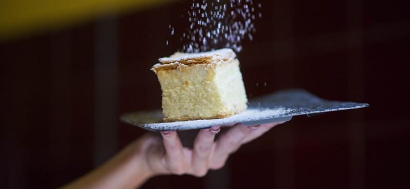 Bezárják Siófok egyik legjobb cukrászdáját, mert túl sok a vendég