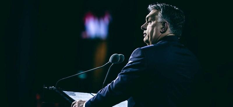 Orbán épp a kereszténydemokrácia lényegét tagadja: az ugyanis liberális