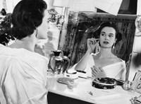 Meghalt Gloria Vanderbilt divattervező