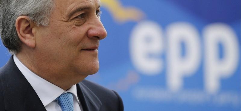 Bocsánatot kért az Európai Parlament elnöke, amiért védelmébe vette Mussolinit