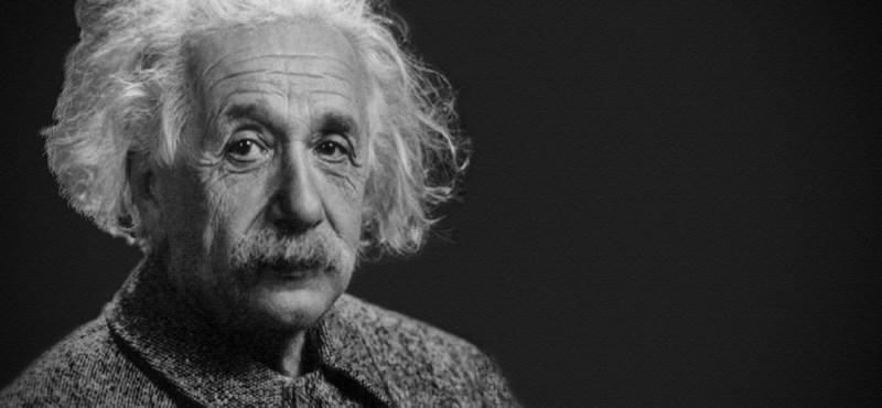 Rekordáron kelt el Albert Einstein levele, amelyben hátat fordított Istennek