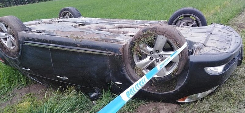 260 km/h-s tempónál filmezte magát a Lexusban, amikor beütött a baj