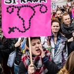 Sztrájkok és tüntetések a lengyel abortusztilalom ellen