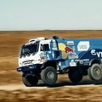 Ezzel a videóval hangolnak a Dakarra a Kamaz versenykamionok
