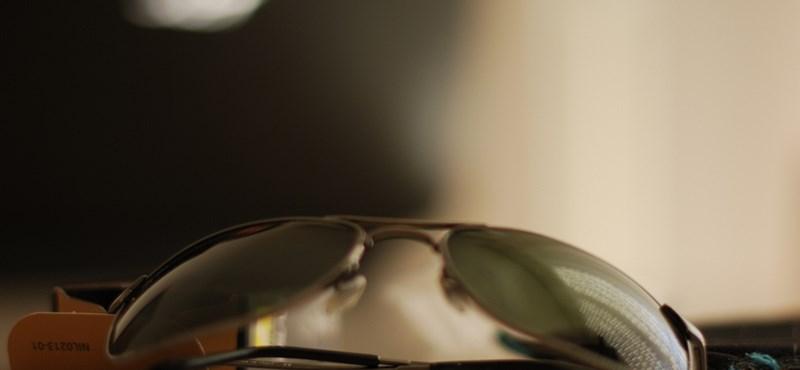 Sz. Ferenc megütött egy turistát a rakparton és ellopta a napszemüvegét