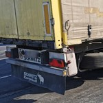 Nem volt hátsó féktárcsája a kamionnak, amit megállítottak az M7-esen