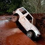 Devecseren több mint száz autó sérült meg az iszapkatasztrófában