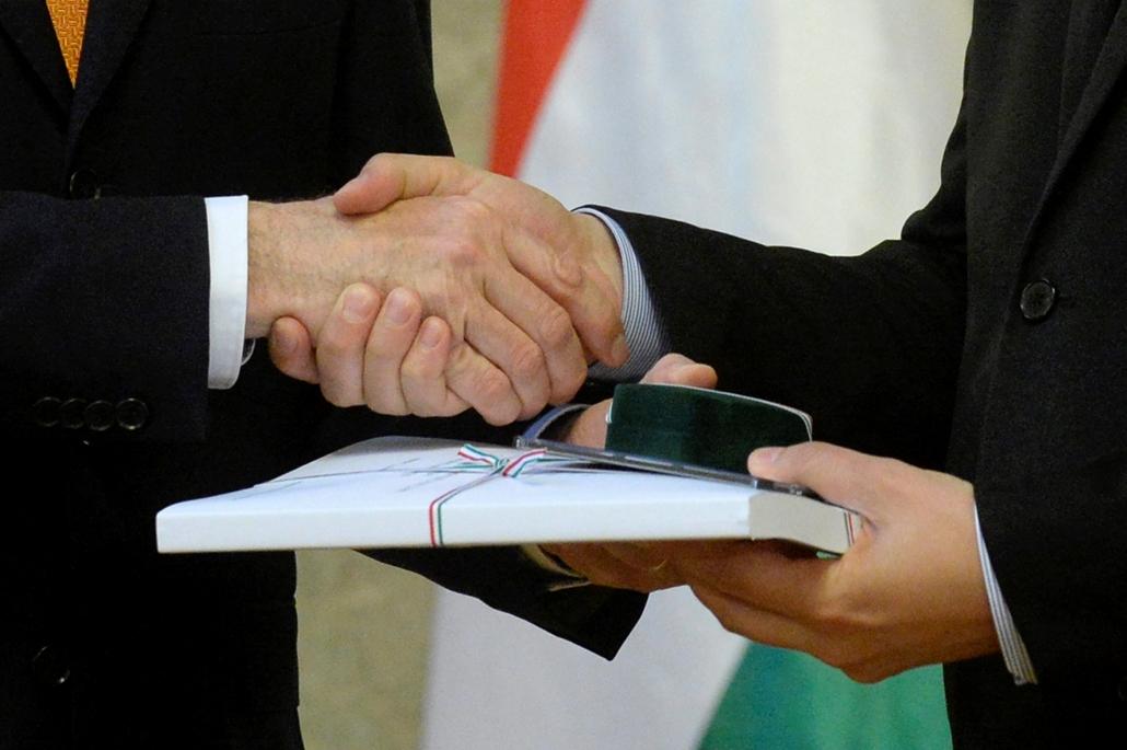mti.16.04.26. - A 2017. évi költségvetési törvényjavaslat 2016. április 26-án az Országház Delegációs termében, ahol Varga Mihály nemzetgazdasági miniszter benyújtotta a jövő évi büdzsé tervezetét.