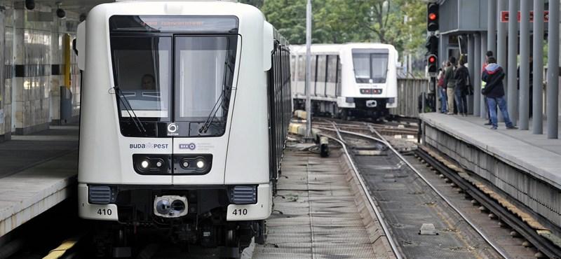 Furcsa szöveget hallott egy utas a metróban – reagált a BKK