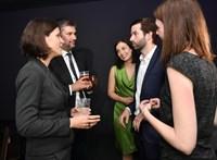 Szél Bernadett és Hadházy Ákos személyesen gratulált a momentumosoknak