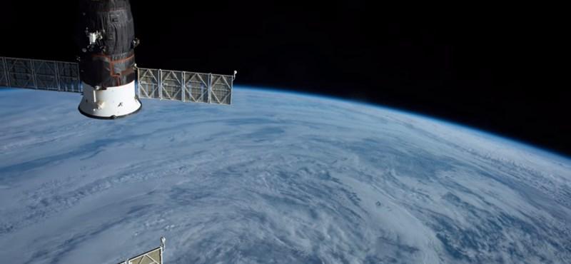 Gyönyörű videót készített a Földről az űrhajós, aki balesetet szenvedett a Szojuzzal