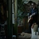 """""""Olyan boldog vagyok"""" – egy nagyon régi dal újragondolva (videó)"""