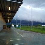 Látványos felhőképeket produkált ma az időjárás – fotók