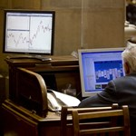 Az USA leminősítése: nyugalomra intenek a befektetők