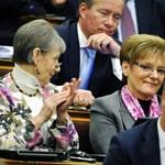 Matolcsy és Hoffmann javaslatával kezdenek ma a parlamentben