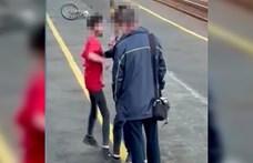 Maszk és jegy nélküli utazó fiú támadt MÁV-dolgozókra Nyíregyházán – videó