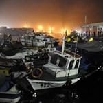 Fotó: Szökőár sodorta partra a hajókat Chilében