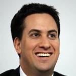 Felülvizsgálná a brit sajtószabályozást a Munkáspárt vezetője