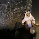 Mekka: milliónyi muszlim zarándok a szent kőnél - Nagyítás-fotógaléria