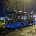 Fáklyaként égett a 16-os busz a Széll Kálmán téren – fotók, videók