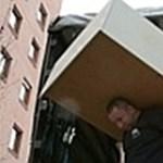 Nem akar dobozokat kunyerálni és csomagolni? Ennyiből úszhatja meg a költözködést