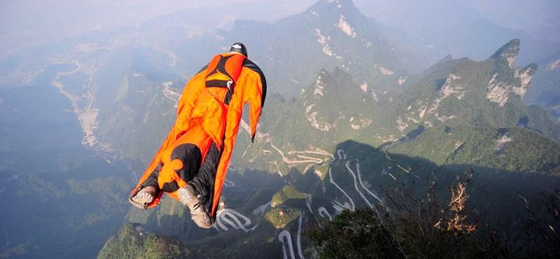 Holtan találták meg a Kínában eltűnt magyar szárnyasugrót