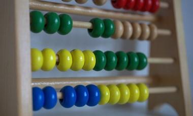 Matektudásért cserébe ingyen vásárlást hirdet egy New York-i üzlet