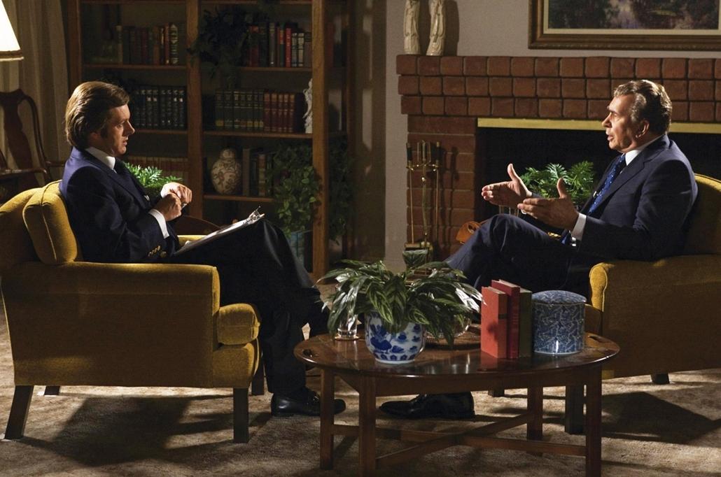 2008. Frost/Nixon c. film Michael Sheen és Frank Langella főszereplésével (2008) - Nixonnagyitas