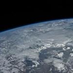 Egy japán tudós elképzelte, milyen lenne a Föld víz nélkül – az eredmény igen látványos lett