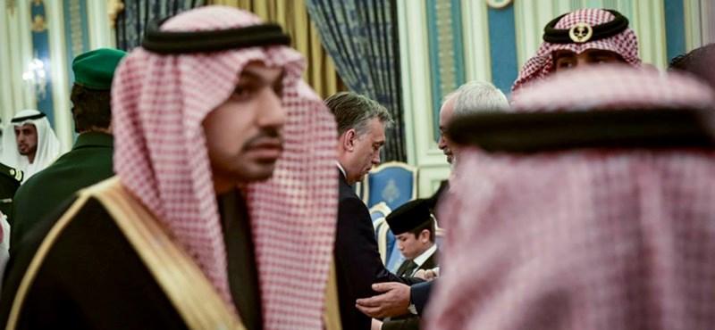 Orbán galériát posztolt a szaúdi uralkodó gyászszertartásáról