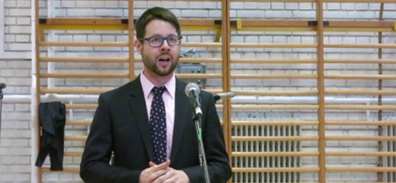 Videó: Amerikai diplomatát így még nem hallott magyar áriát énekelni