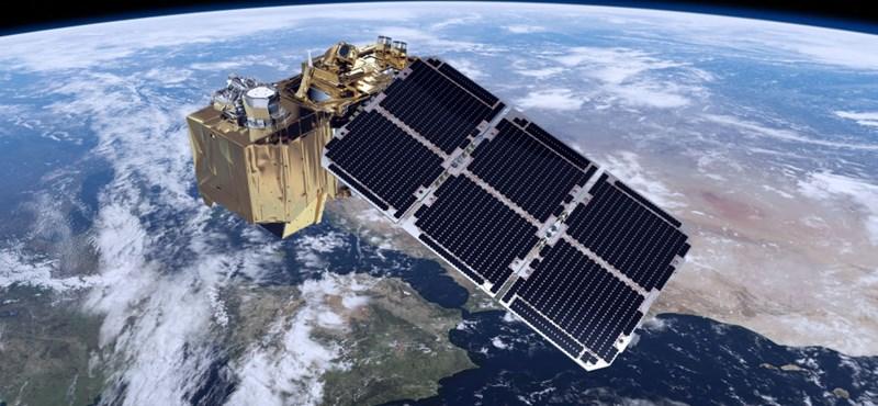 Kilyukadt az egyik műholdunk napkollektora
