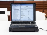 Bizalmas katonai adatokat találtak egy 30 ezer forintért megvásárolt leselejtezett számítógépen