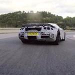 Így driftel egy profi a McLaren még titkos új sportkocsijával