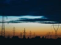 Pár ezer forinttal és vízforralóval csábítaná magához az állami áramszolgáltató az E.ON ügyfeleit