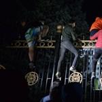 Érvénytelenítették a kirgiz választás eredményét, miután a tüntetők a kormány székházát is elfoglalták